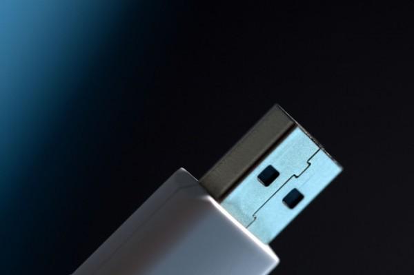 Обнародован код для эксплуатации неустранимой уязвимости USB