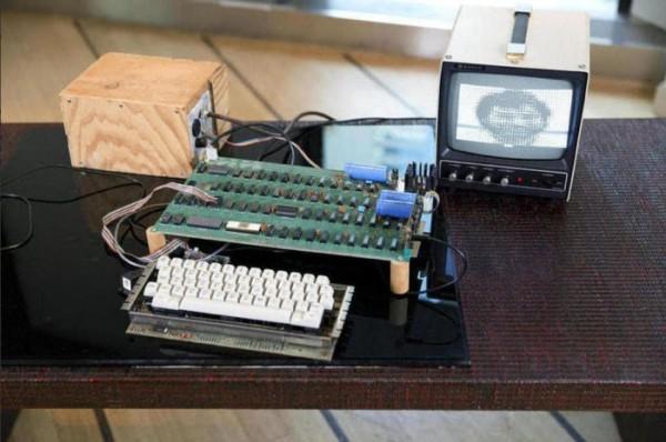 Полностью рабочий Apple 1 выставили на аукцион
