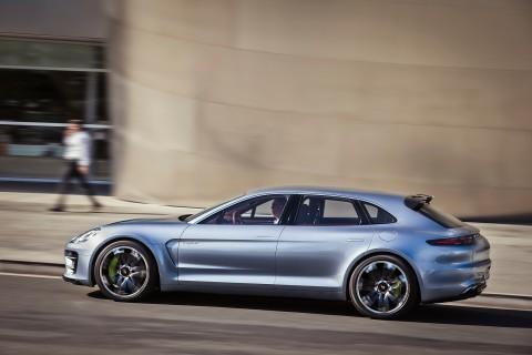 Porsche и Mercedes бросили вызов Tesla