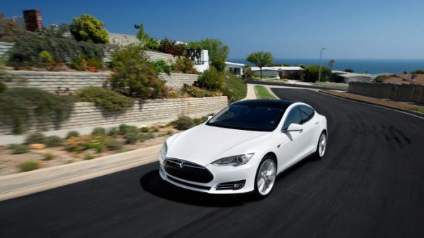 Tesla Model S — самый безопасный электрокар