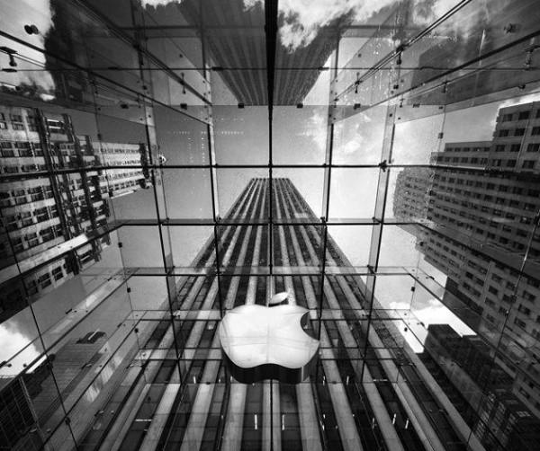 Какой бренд самый успешный на планете? Apple!