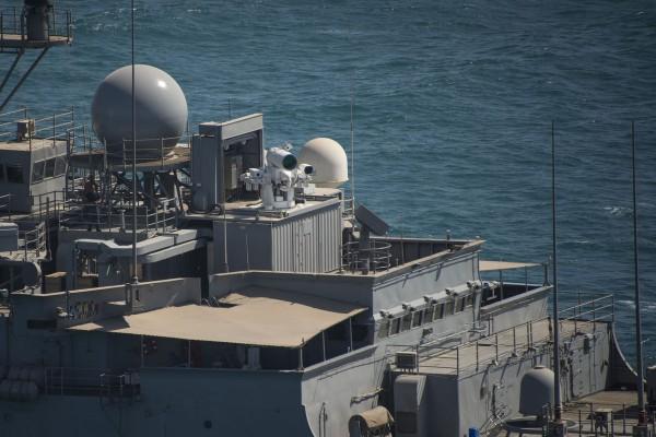 США тестируют в Персидском заливе корабль с лазерной пушкой