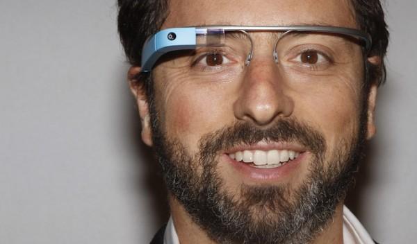 Google перенесла релиз умных очков Glass на 2015 год