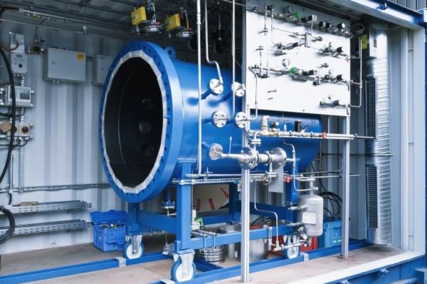 Создана машина, превращающая воду в бензин