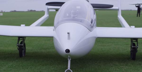 Испытан первый гибридный электрический самолет