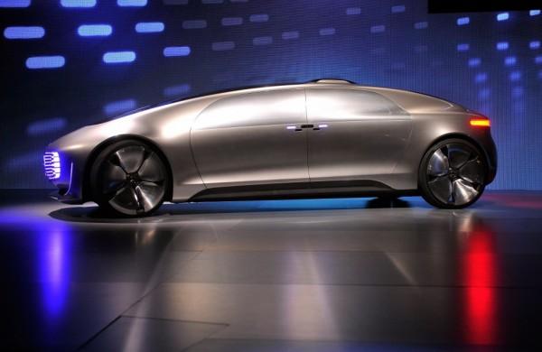 Mercedes-Benz F015 Luxury in Motion — автомобиль из будущего