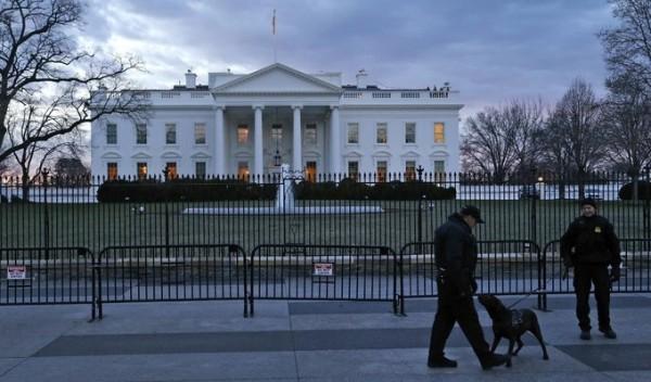 На Белый дом «упал» квадрокоптер