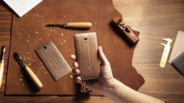 Xiaomi Mi4 обзавелся деревянными задними крышками