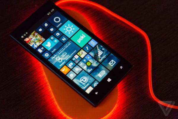 Беспроводная зарядка Nokia DT-903 подскажет о пропущенных звонках