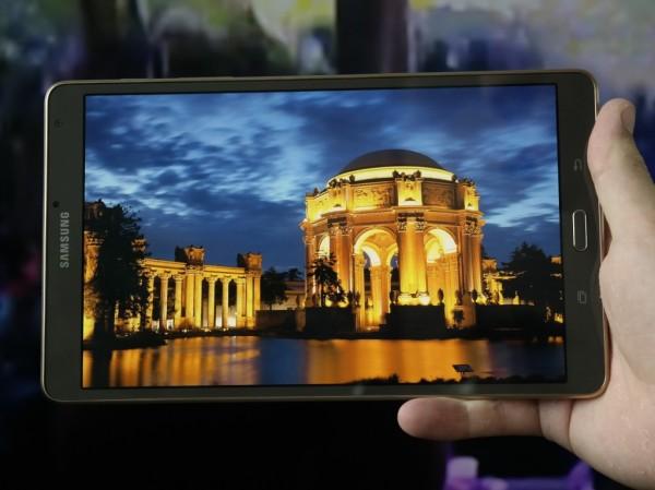 Samsung Galaxy Tab S2: тоньше, чем iPad Air 2