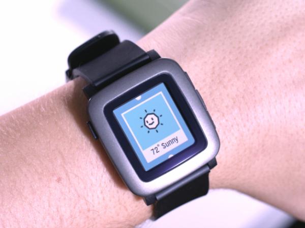 Теперь цветные: Pebble анонсировала «умные» часы Time