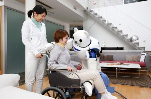 ROBEAR: японский робот-медведь для ухода за пожилыми
