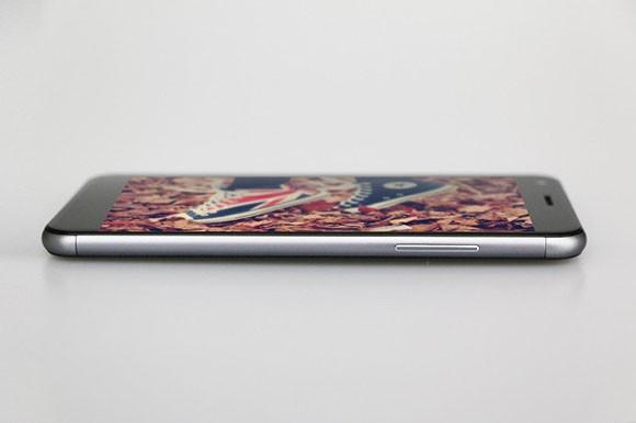 ZOPO показала смартфон TOUCH с изогнутым 2,5D-экраном