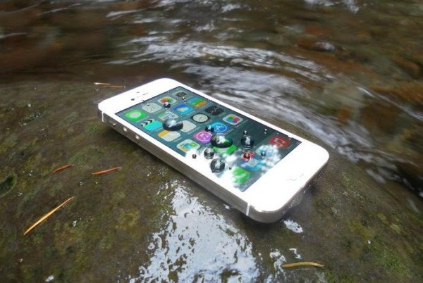 Новые iPhone будут водонепроницаемыми?
