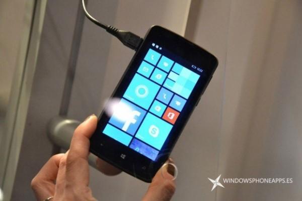 Polaroid представила бюджетные Windows-смартфоны