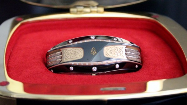 «Умный» браслет Armill Apollo бьет рекорды по дороговизне