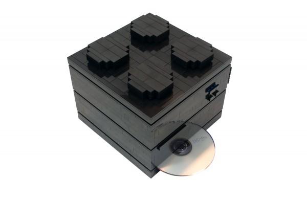 Энтузиаст собрал компьютер из кубиков LEGO