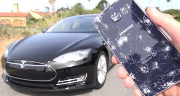 Samsung Galaxy S6 «выжил» под колесами электромобиля Tesla Model S