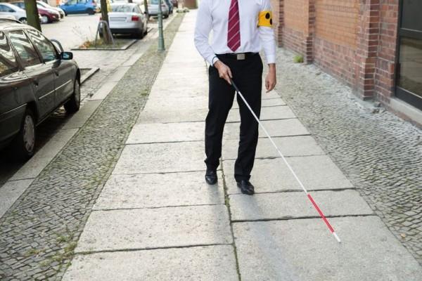 XploR — «умная» трость для слепых