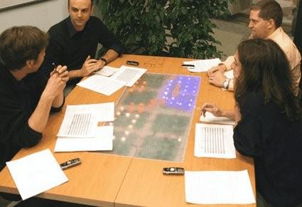 «Умный» стол для заседаний