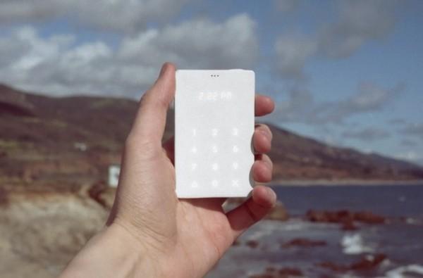 Light Phone — телефон и ничего более
