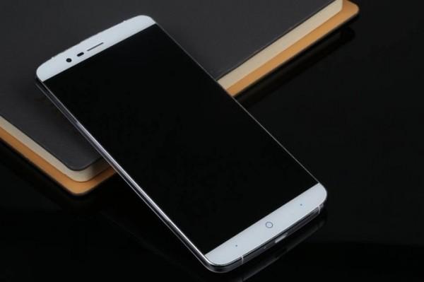 Elephone P8000 — китайский «монстр» c 4G LTE