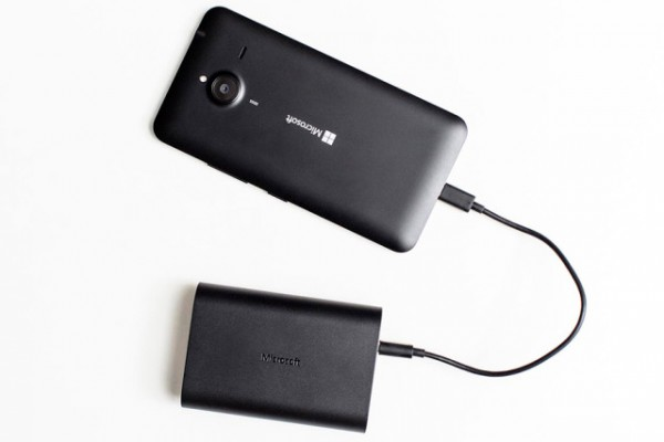 Portable Dual Chargers — портативный аккумулятор от Microsoft