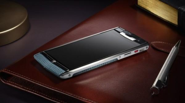 Vertu V06 — неожиданно мощный смартфон премиум-класса