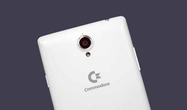Commodore PET: 5,5-дюймовый смартфон с эмулятором Commodore 64