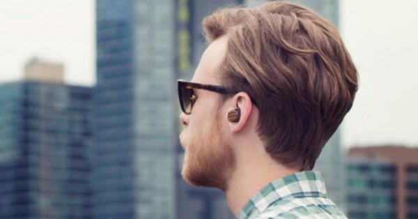 Motorola Moto Hint +: крошечная беспроводная гарнитура