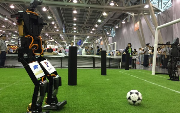 Робот THORwin выиграл футбольный чемпионат