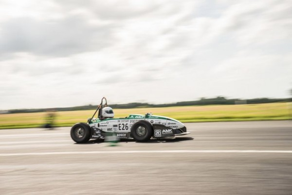 Электромобиль разогнали до 100 км/ч за 1,779 с