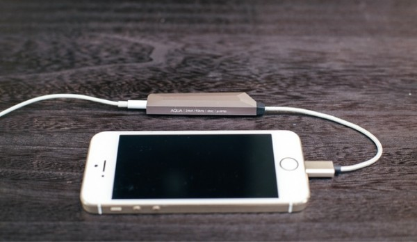 AQUA — мобильный усилитель звука