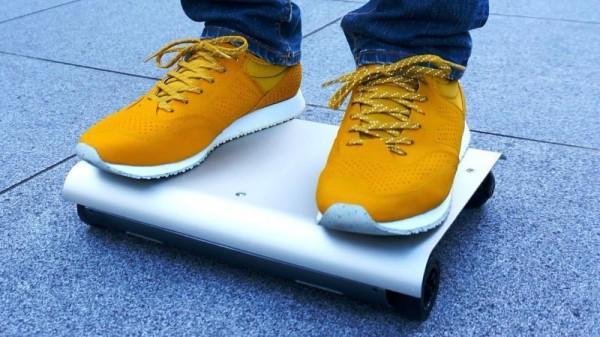 WalkCar — электрический скейтборд в форме ноутбука