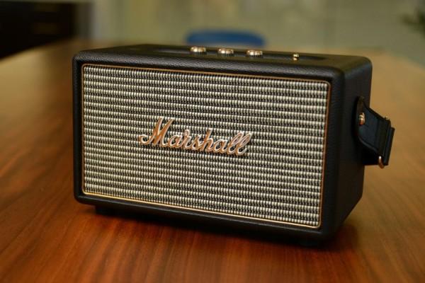 Kilburn — беспроводная колонка в форме гитарного усилителя Marshall