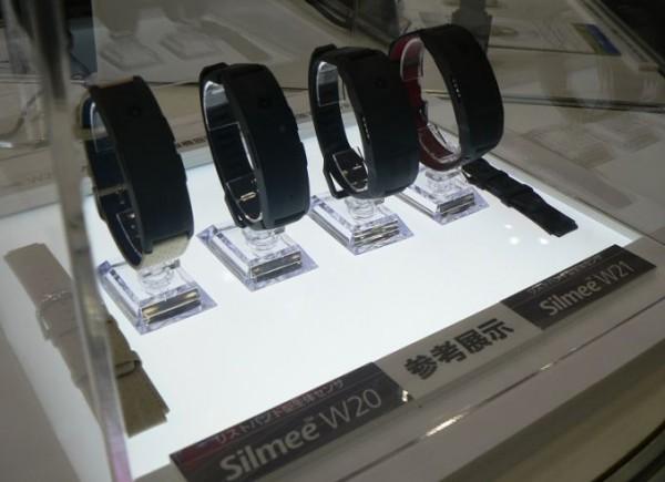 Silmee W20 и Silmee W21 — умные браслеты от Toshiba