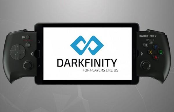 Darkfinity — геймпад, заряжающий смартфон во время игры