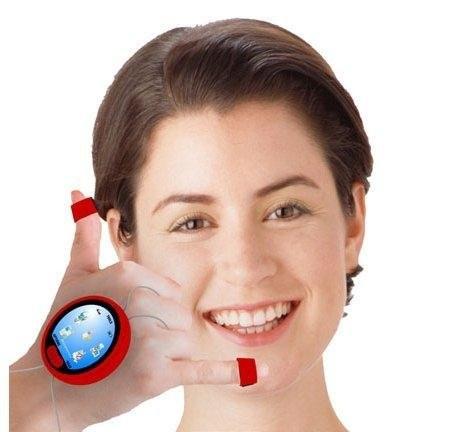 Концепт телефона, носимого на руке