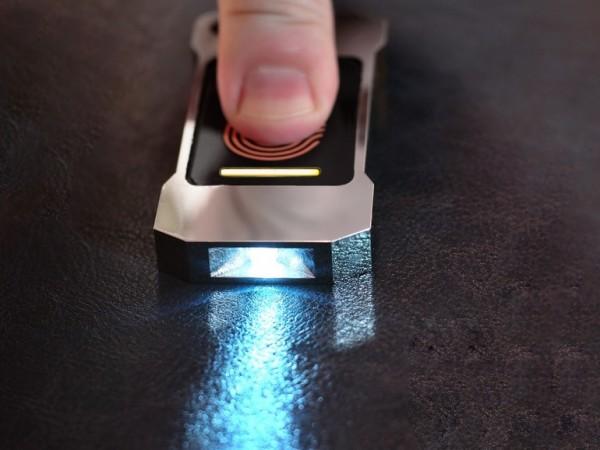 Lumen — фонарик, который работает от тепла человеческого тела