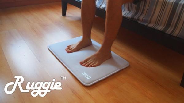 Ruggie — умный будильник в виде коврика