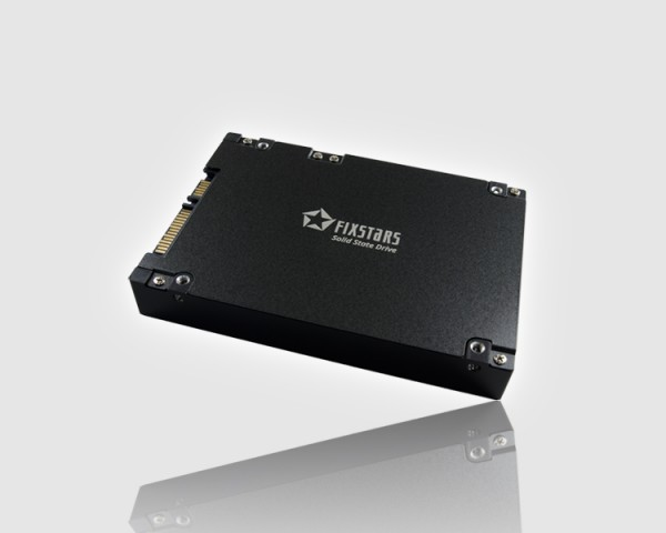 Fixstars представила 2,5-дюймовый SSD объемом 13 ТБ