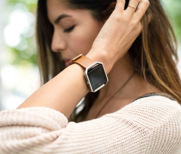 Умные часы Fitbit Blaze уже можно купить