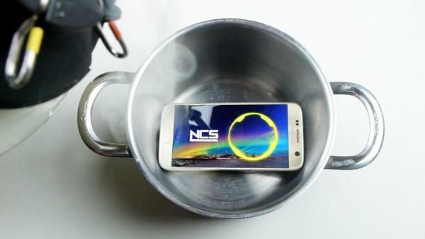 Samsung Galaxy S7 побывал в жидком азоте
