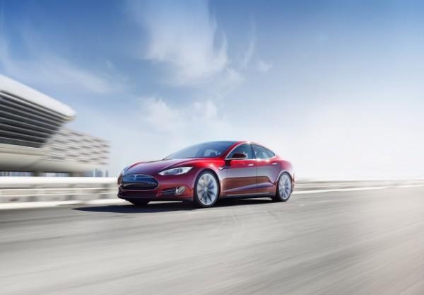 Гонки на Tesla Model S стартуют через год
