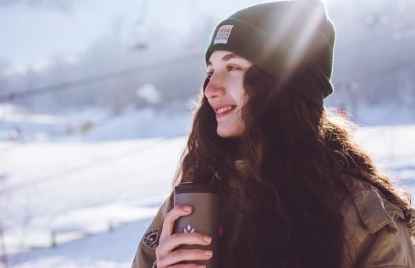 Yecup 365 — кружка, нагревающая и охлаждающая напитки