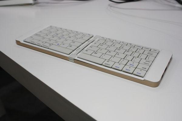 Pipo KB2 — миниатюрный ПК в виде складной клавиатуры