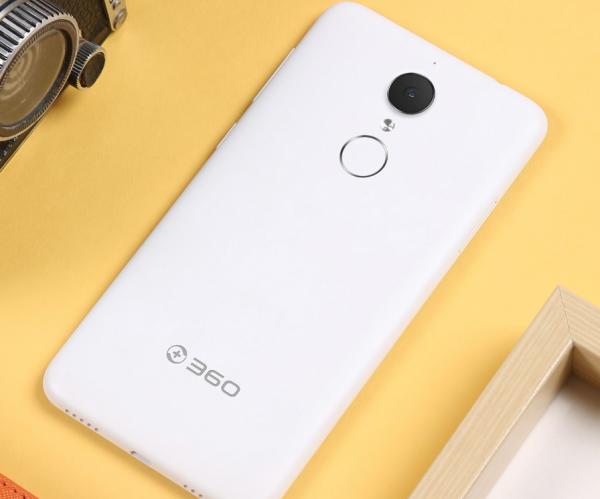 QiKU 360 N4 — мощный 5,5-дюймовый смартфон за 8