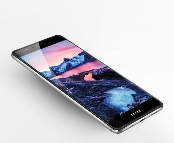 Huawei Honor V8 — производительный фаблет с 2K-экраном