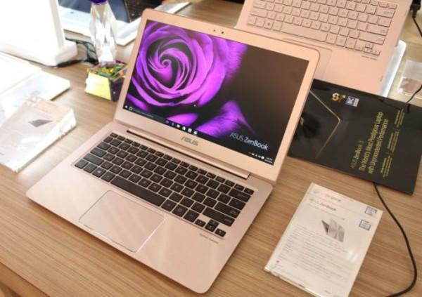 Экран ультрабука Zenbook UX330 имеет разрешение 3200 на 1800 точек