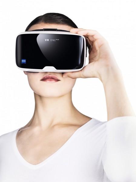 VR One Plus — новый шлем виртуальной реальности от Zeiss